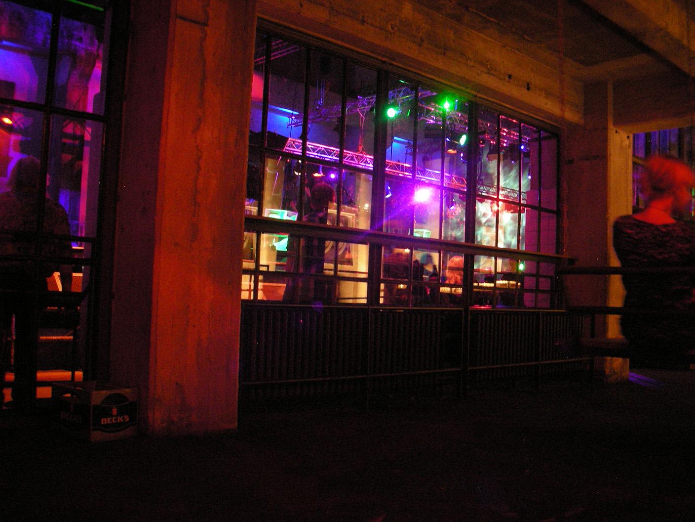 Прямо в ночном клубе 11 фотография